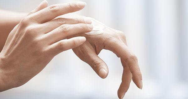 piel seca en las manos